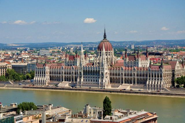 Budapest Parliament by Paolo Ciccarese